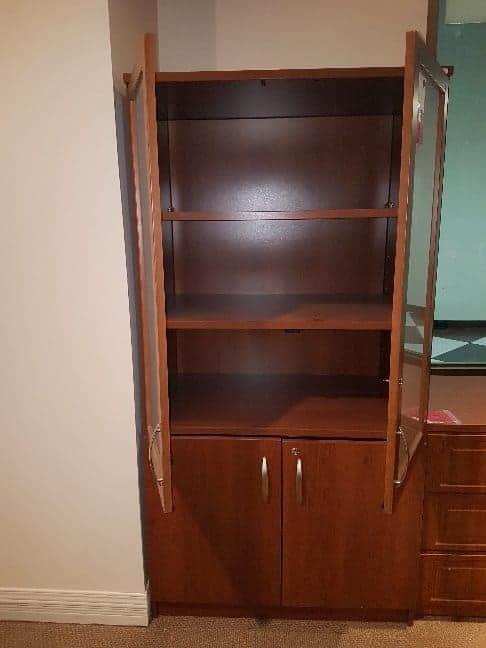 armoire-rangement-porte-vitrées